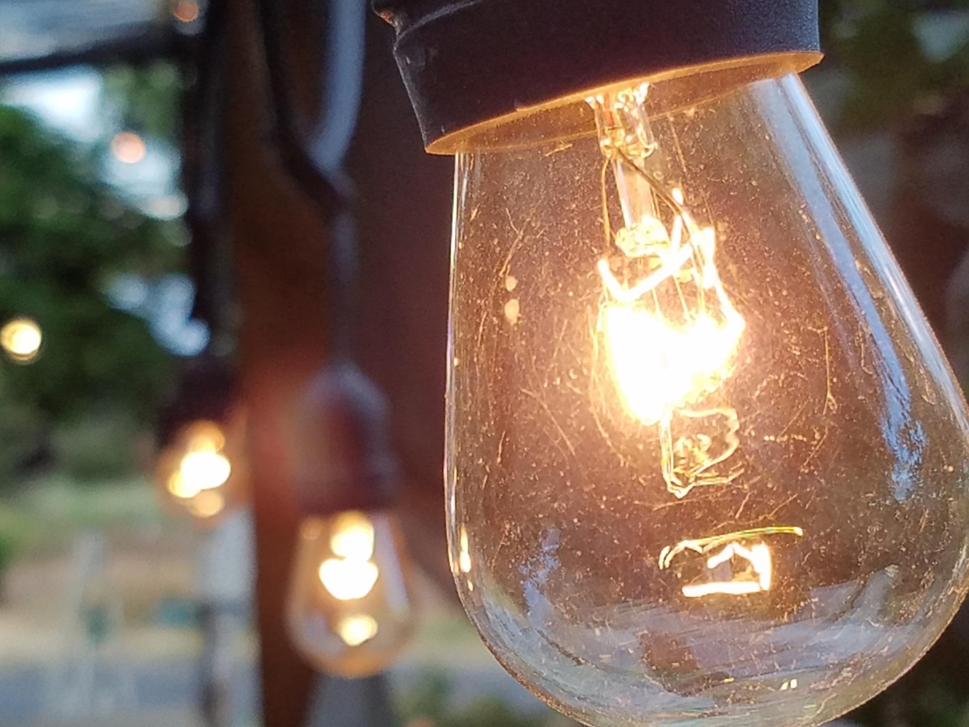 light-1518016_1920